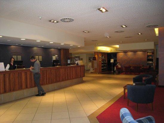 Mercure Hotel Saarbrücken City: hall d'entré