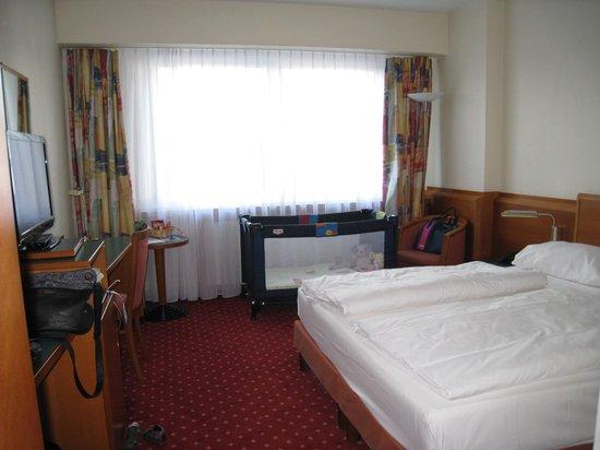 Mercure Hotel Saarbrücken City: chambre
