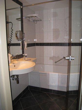 Mercure Hotel Saarbrücken City: sdb