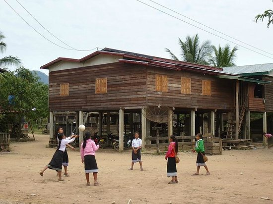 Kong Lor Cave: Life in the nearby Natan village