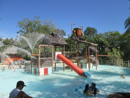 Hot Park: parque aquático das crianças