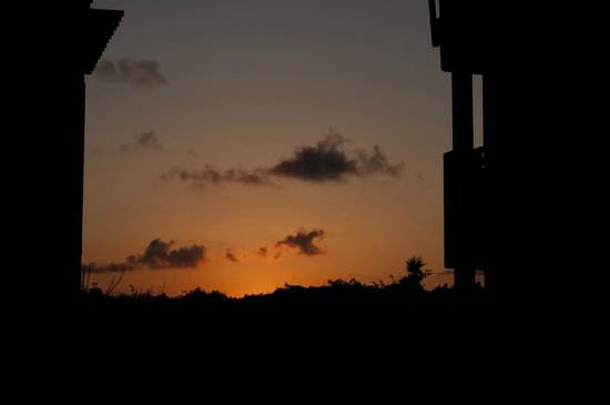 Hotel Cayo Santa Maria : coucher de soleil entre les blocs