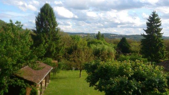 Location Le Moulin du Birat : Vue sur la vallée de la Dordogne et le Château De Milandes