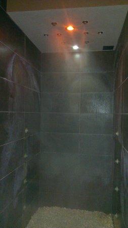 Hotel Terme Capasso: doccia emozionale