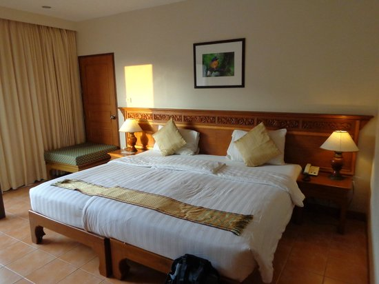 Krabi Heritage Hotel : chambre spacieuse