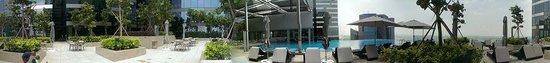 The Westin Singapore: Swimming Pool