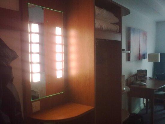 Premier Inn Ipswich Town Centre (Quayside) Hotel: Good lighting