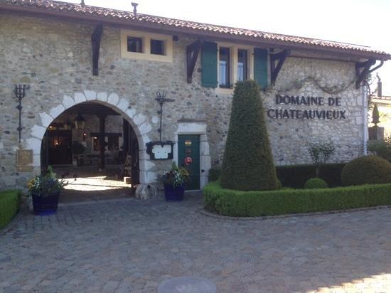 Domaine De Chateauvieux: belle batisse