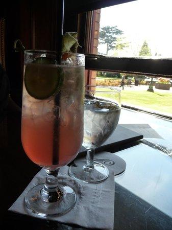 The Bengal Lounge: gin 44.