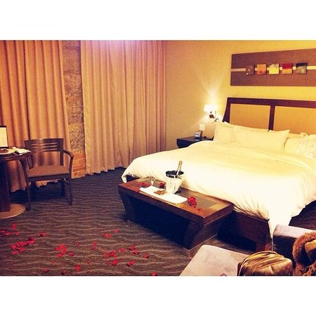 Hotel Nelligan: Our room upon arrival