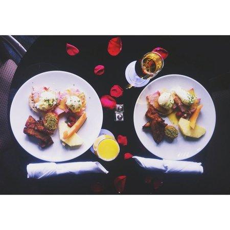 Hotel Nelligan: Room service breakfast