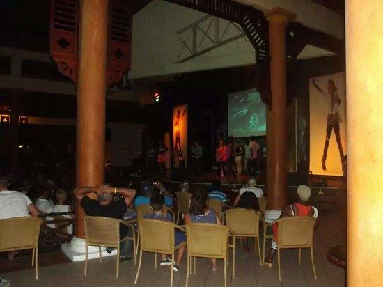VIK Hotel Arena Blanca : Show nocturno (agosto -2013)