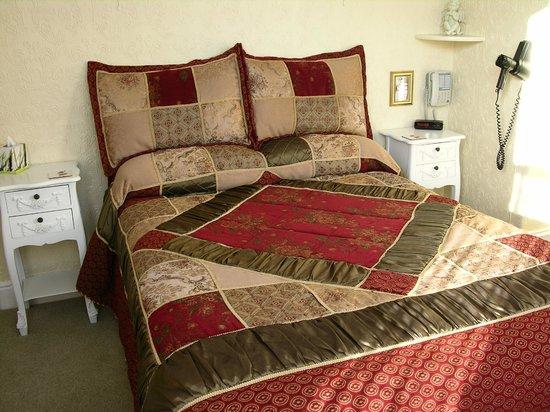 Courtfield Hotel: bedroom