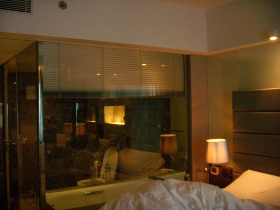 The Mira Hong Kong: room
