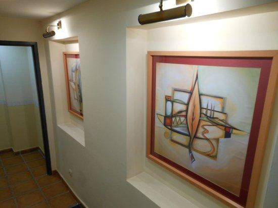 Hotel Dona Catalina: Corridor