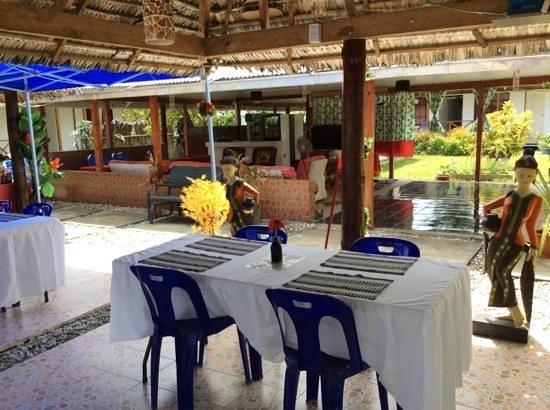 The George Hotel Kiribati : hotel restaurant photo