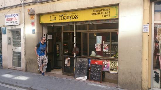 La Monyos