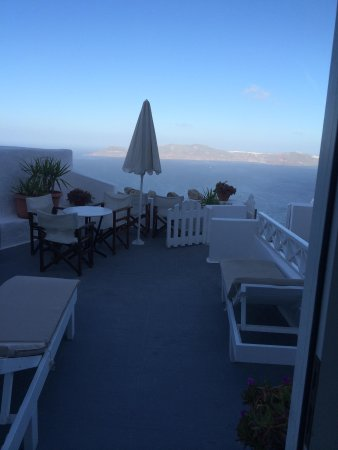 Villa Ilias Caldera Hotel: View from the living room of the apt