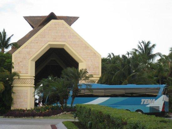 Grand Bahia Principe Coba: entrance