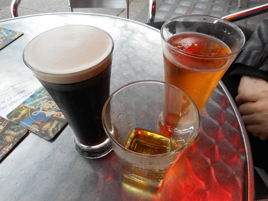 Carr & O'Connell: Irish trinity, Guinness, Bulmers and Jamesons