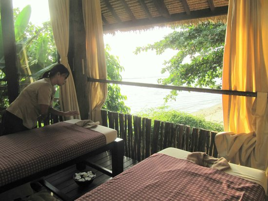 Jeeva Klui Resort: Spa - view to the ocean