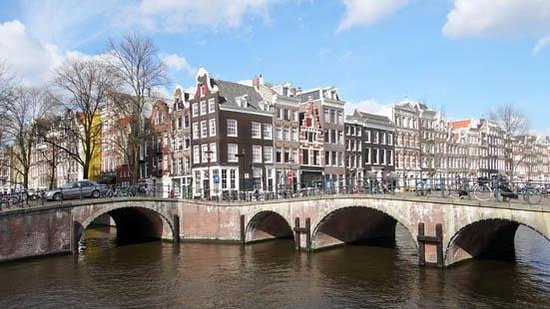 Emperor's Canal (Keizersgracht) : Buildings along the canal