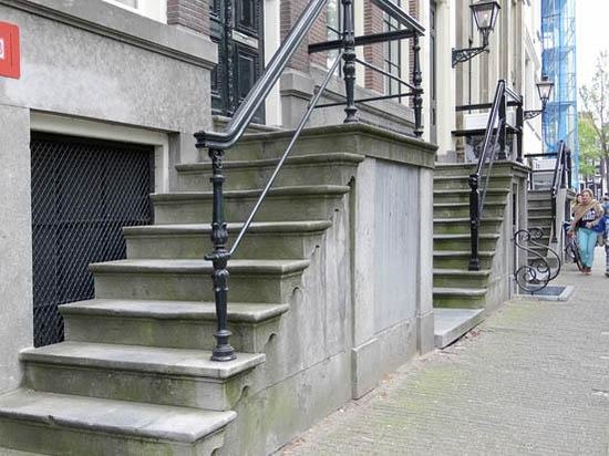 Emperor's Canal (Keizersgracht): the stairs