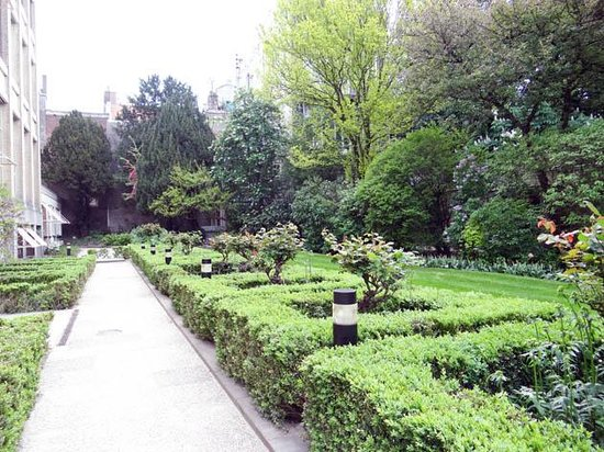 Emperor's Canal (Keizersgracht): one of the gardens behind the buildings of Keizersgracht