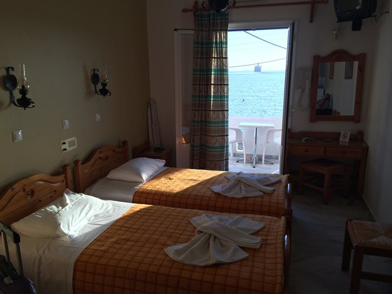 Irene Hotel and Studios : 2 twin beds