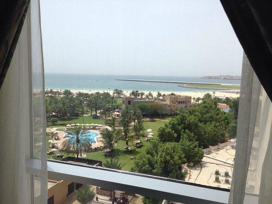 Habtoor Grand Resort, Autograph Collection, A Marriott Luxury & Lifestyle Hotel: Aussicht aus dem Zimmer 610