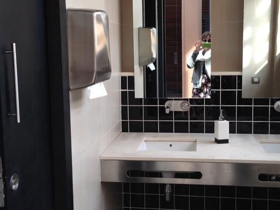 EuroPark Hotel : bathroom