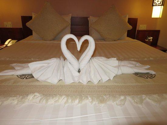 Long Life Riverside Hotel: f