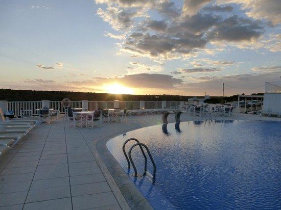 Hotel Playa Azul: Pool Area
