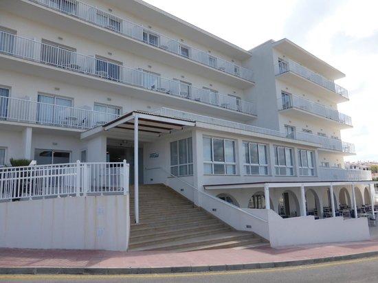 Hotel Playa Azul: Hotel Exterior