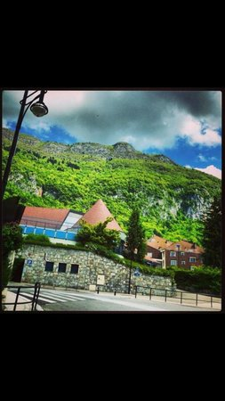 Domaine des Avenieres: On the way to hotel