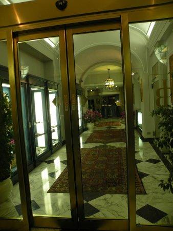 Hotel Berchielli: Hotel Lobby