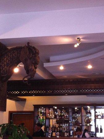 Kempinski Hotel Khan Palace: le bar