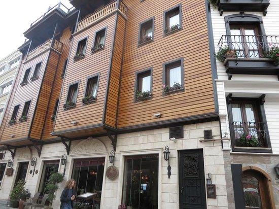 Sirkeci Mansion: Fachada del hotel