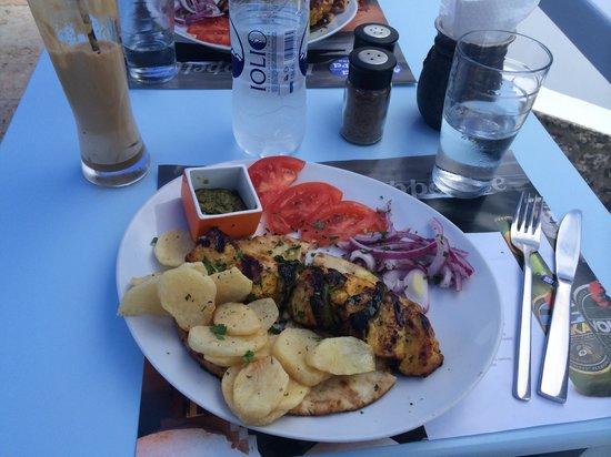 Mama Thira Tavern: Yum!!