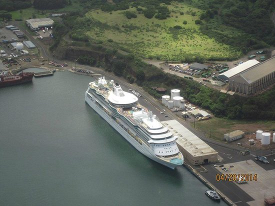Blue Hawaiian Helicopters - Kauai : Our ship from the air