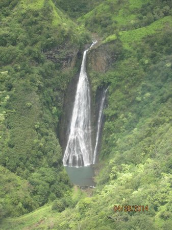 Blue Hawaiian Helicopters - Kauai : One of many beautiful waterfalls