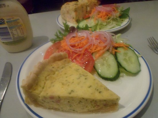 Alice's Daily Grind: Tasty quiche