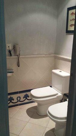 Hotel THe Volcán Lanzarote: baño