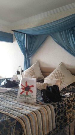 Hotel THe Volcán Lanzarote: cama