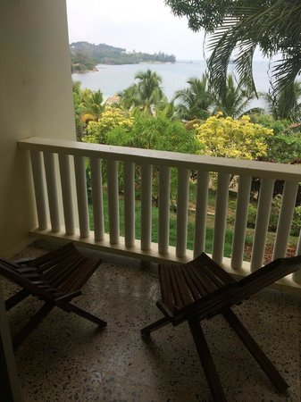 Turquoise Bay Dive & Beach Resort : Balcony