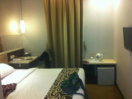 Tjokro Klaten Hotel: The room