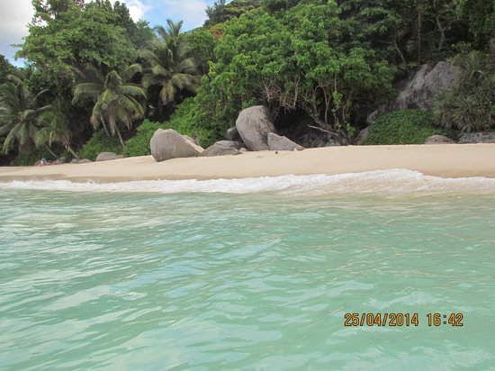 Le Bonheur Villa: Пляж