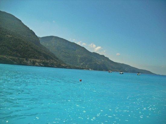 Akdeniz Beach Hotel : Пляж и море