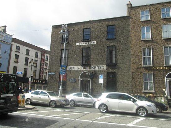 The Holyhead Hostel: frente do hostel