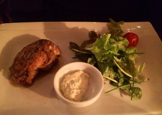 Le Wine Bar des Marolles : Don't freak out now.. But my husband actually ordered and ate veal brain. According to him it wa